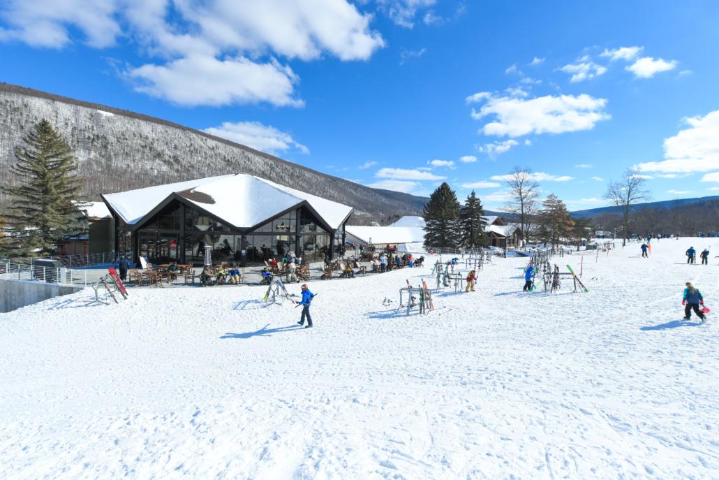 Rocket Lodge - Outside Winter
